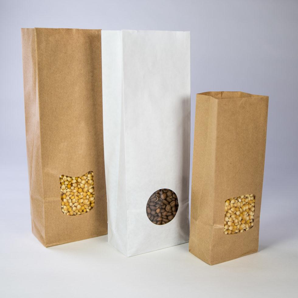 Différents sacs en papier 3 soufflets avec fenêtre
